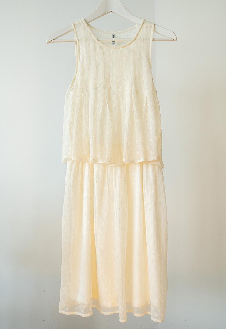 vestido-de-encaje-en-color-crema