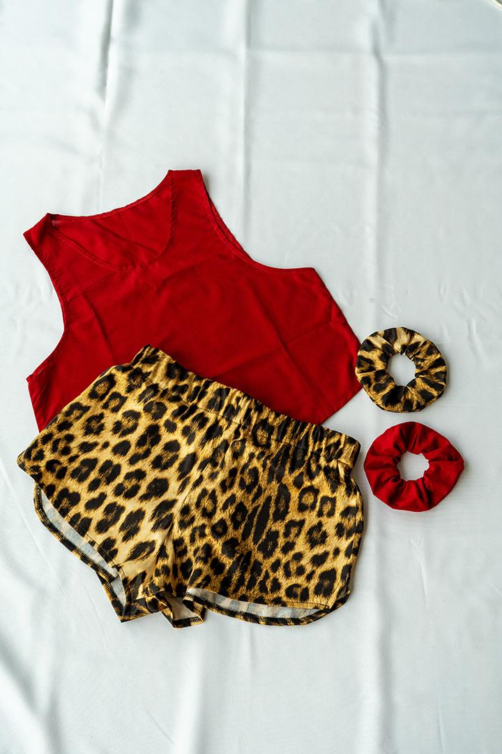 COLECCIÓN SOLSTICIO conjunto leopardo y rojo