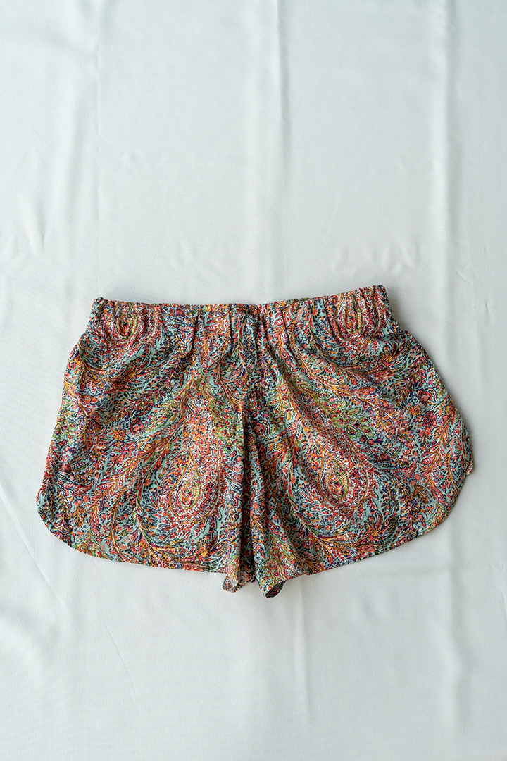 COLECCIÓN SOLSTICIO shorts paisley